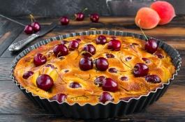 Tarte aux abricots et aux cerises